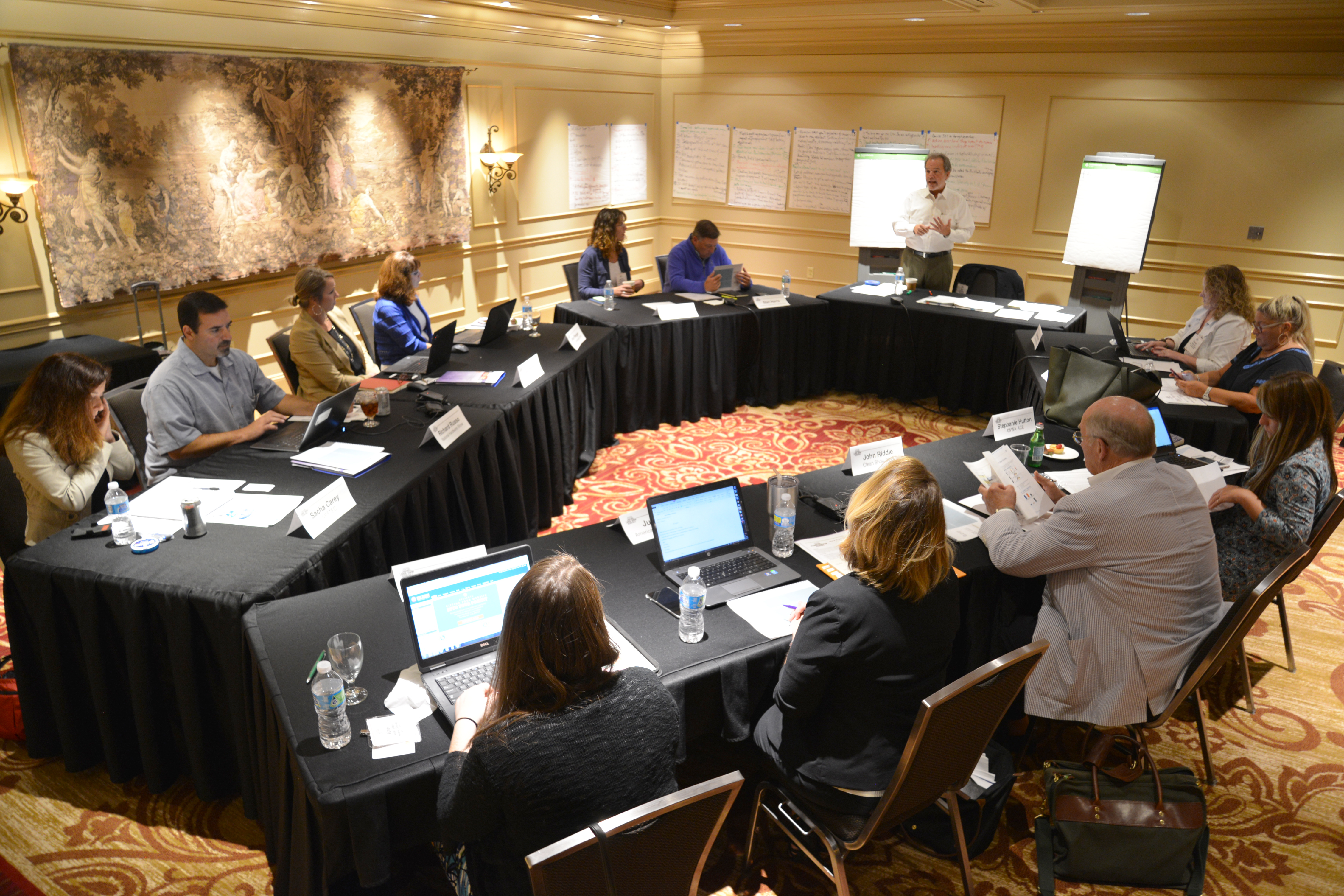 New Orleans Sponsors Large Show Round Table Education