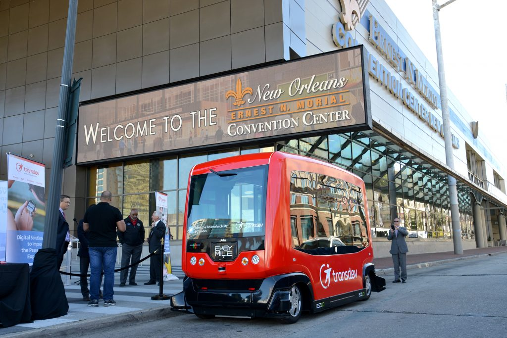 driverless shuttle demonstrated at new orleans convention. Black Bedroom Furniture Sets. Home Design Ideas